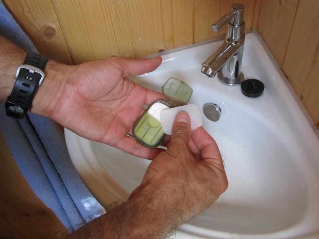 TrekTravel-Pocket-Body-Wash-02